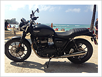 TRIUMPH Street Twin (Black)